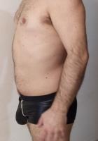hombre escort es bisexual, le pone vestirse de mujer