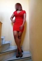puta morena con vestido sexy puede acompañarte a una fiesta o evento